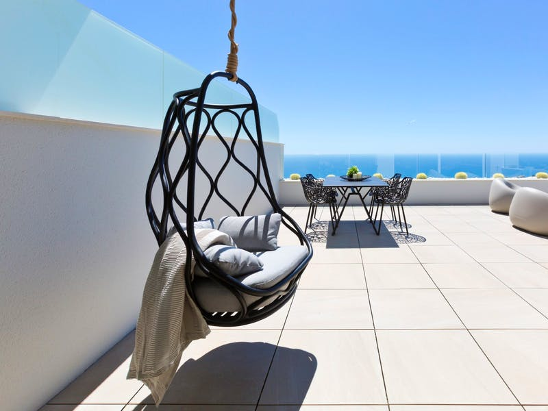 30 luxury apartments with sea and mountain views of 2 and 3 bedrooms in Cumbre del Sol. 16