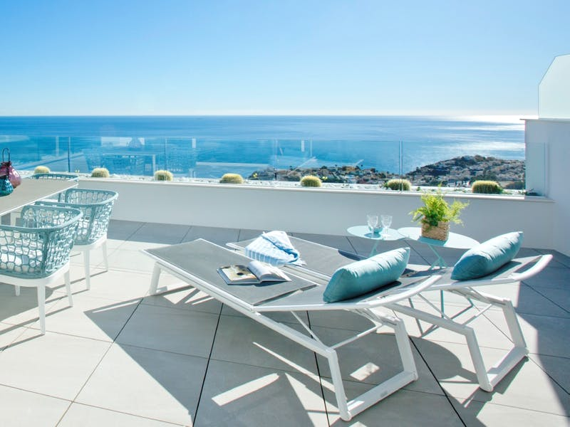 30 luxury apartments with sea and mountain views of 2 and 3 bedrooms in Cumbre del Sol. 0