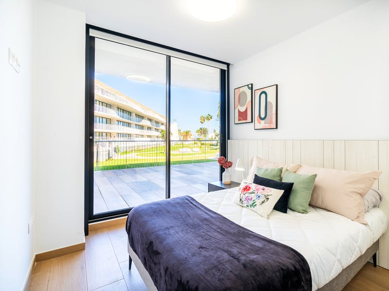 Denia Beach - 1, 2 and 3 bedroom apartments with terrace overlooking the sea or with views over the Montgó mountain, at the beach of La Almadraba beach 38