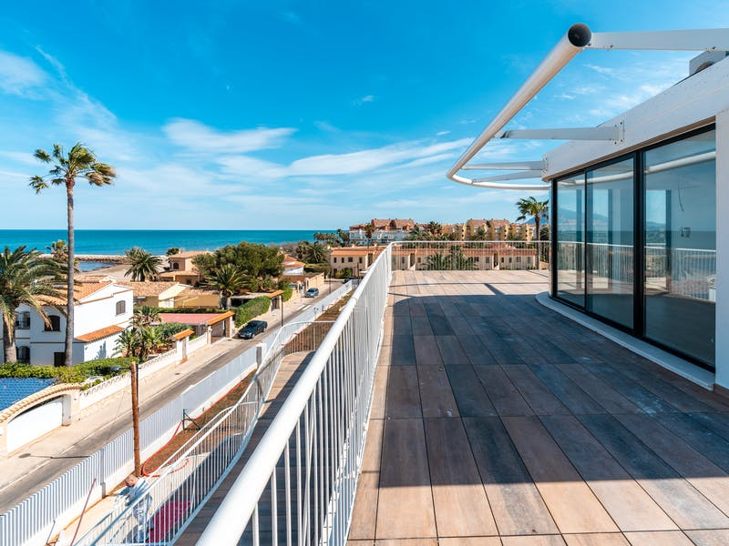 Denia Beach - 1, 2 and 3 bedroom apartments with terrace overlooking the sea or with views over the Montgó mountain, at the beach of La Almadraba beach 21