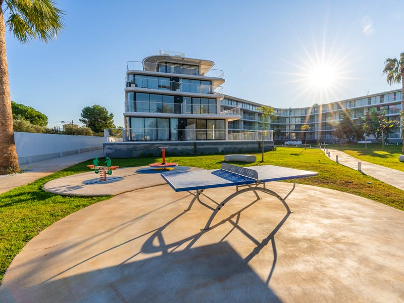 Denia Beach - 1, 2 and 3 bedroom apartments with terrace overlooking the sea or with views over the Montgó mountain, at the beach of La Almadraba beach 43