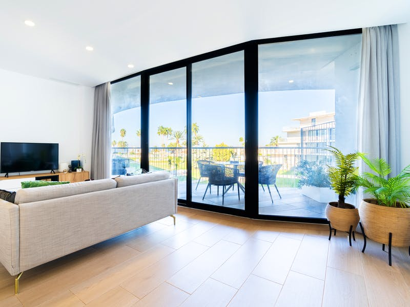 Denia Beach - 1, 2 and 3 bedroom apartments with terrace overlooking the sea or with views over the Montgó mountain, at the beach of La Almadraba beach 44