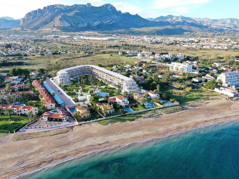 Denia Beach - 1, 2 and 3 bedroom apartments with terrace overlooking the sea or with views over the Montgó mountain, at the beach of La Almadraba beach 2