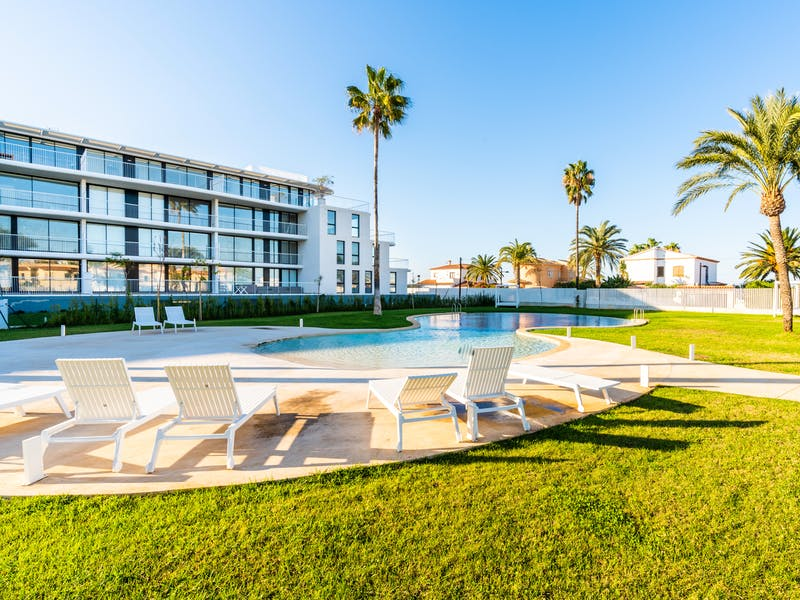 Denia Beach - 1, 2 and 3 bedroom apartments with terrace overlooking the sea or with views over the Montgó mountain, at the beach of La Almadraba beach 17