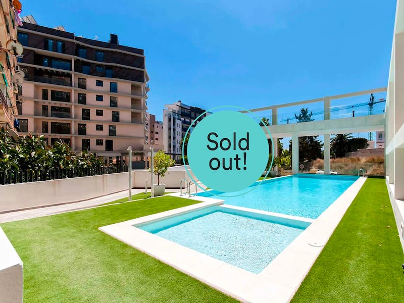 2 and 3 bedroom apartments with sea views in the city centre of Calpe 0