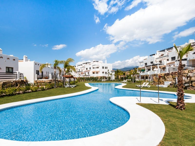 Apartments and townhouses in Estepona 3