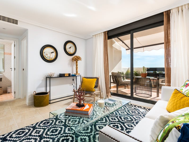 Apartments and townhouses in Estepona 9