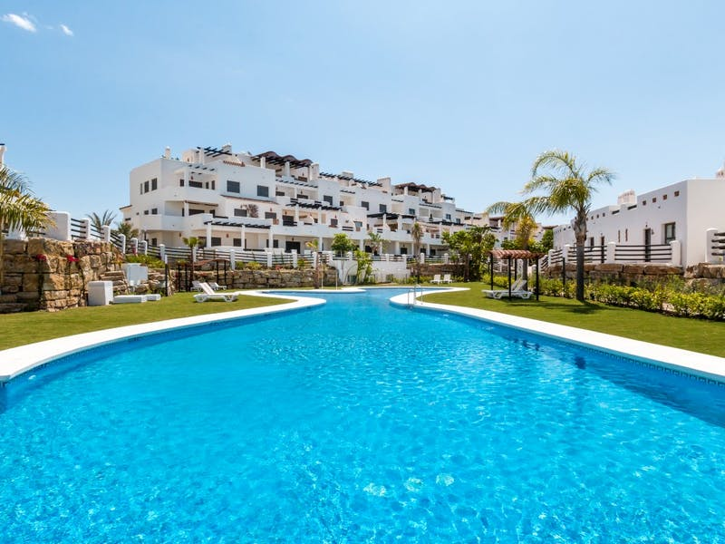 Apartments and townhouses in Estepona 5