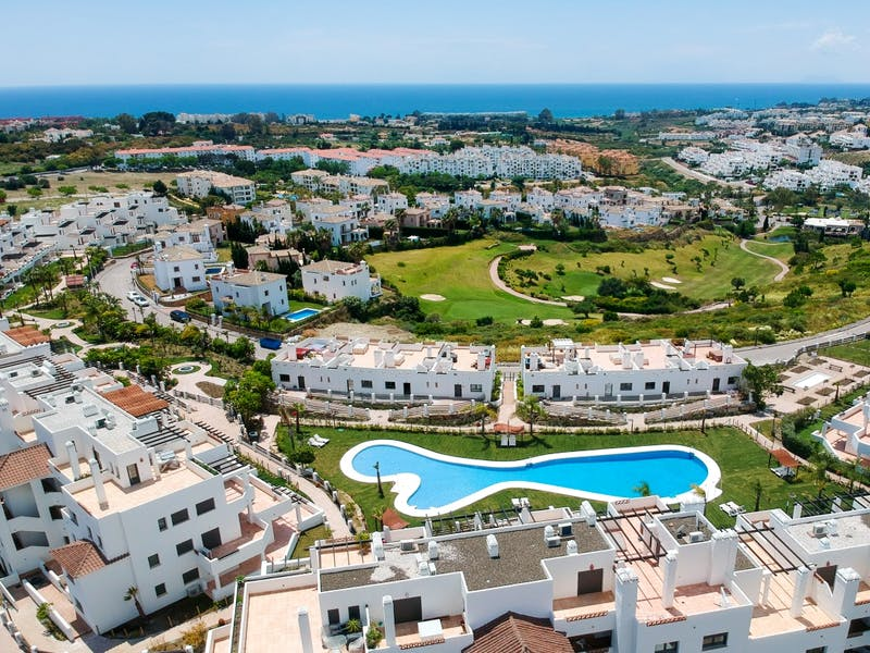 Apartments and townhouses in Estepona 22