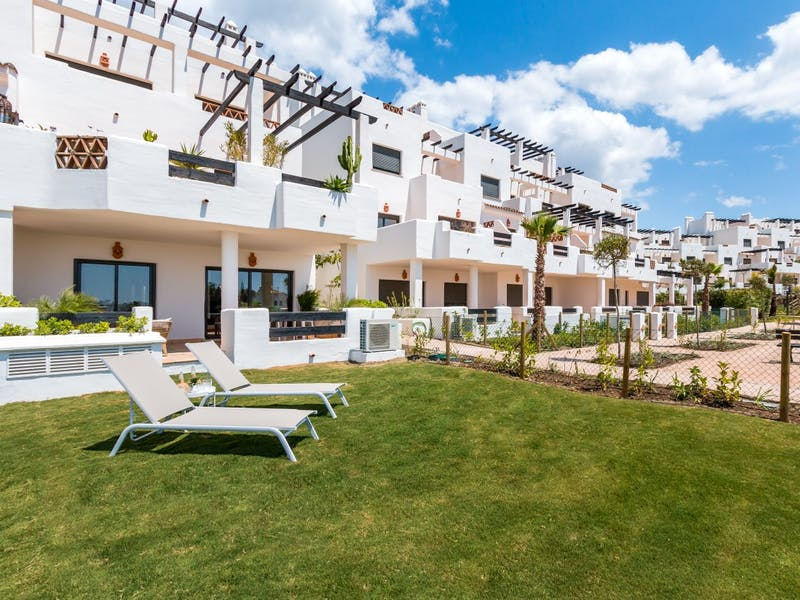 Apartments and townhouses in Estepona 12