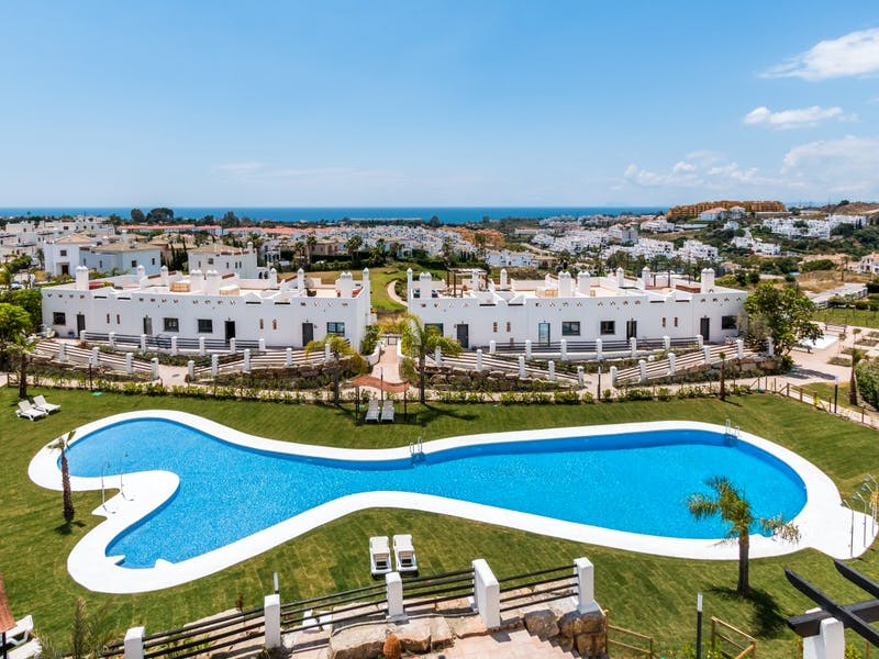 Apartments and townhouses in Estepona 0