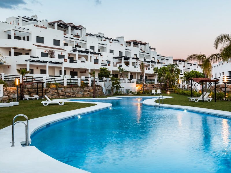 Apartments and townhouses in Estepona 1