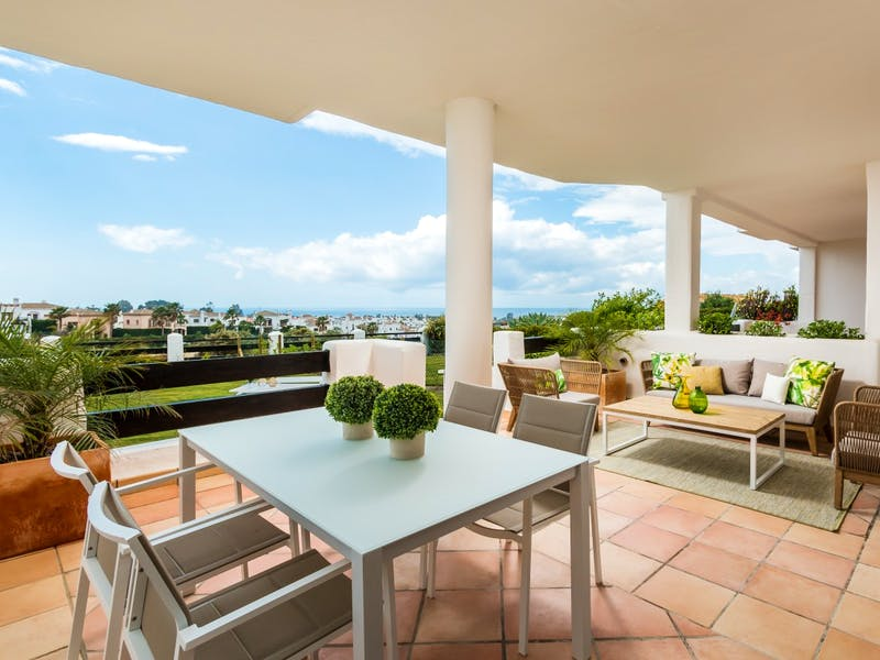 Apartments and townhouses in Estepona 21