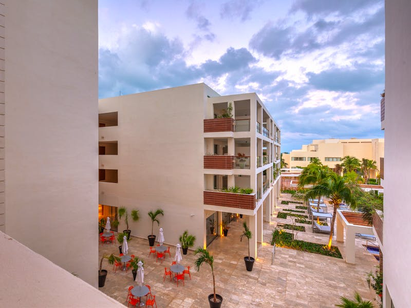 Luxury homes with private beach in Cancun 58