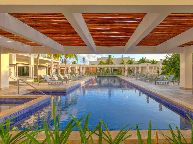 Luxury homes with private beach in Cancun 11