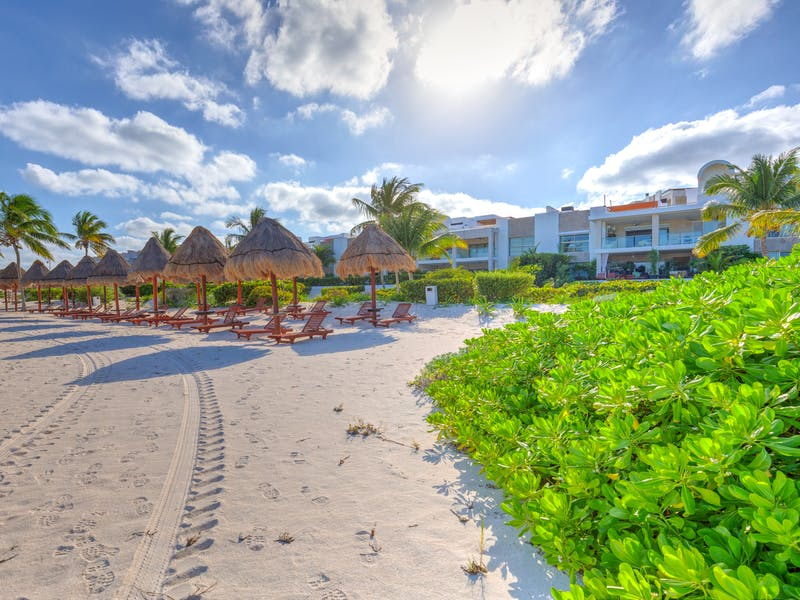 Luxury homes with private beach in Cancun 31