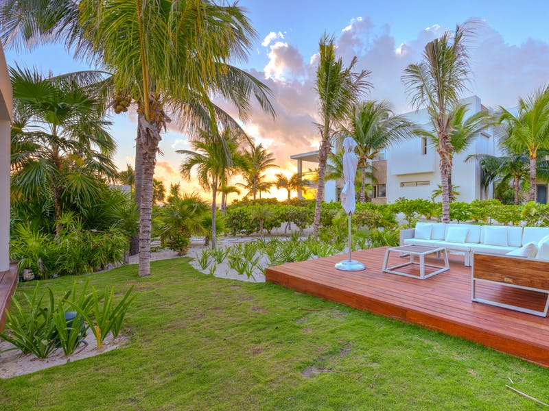 Luxury homes with private beach in Cancun 65