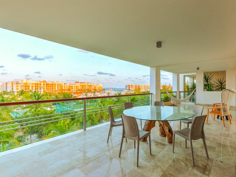Luxury homes with private beach in Cancun 10