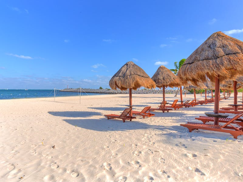 Luxury homes with private beach in Cancun 90