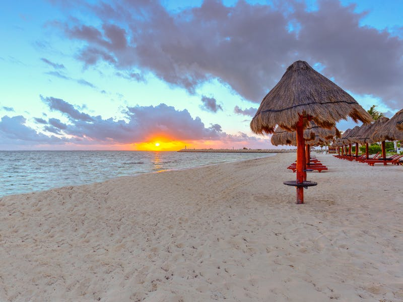 Luxury homes with private beach in Cancun 2