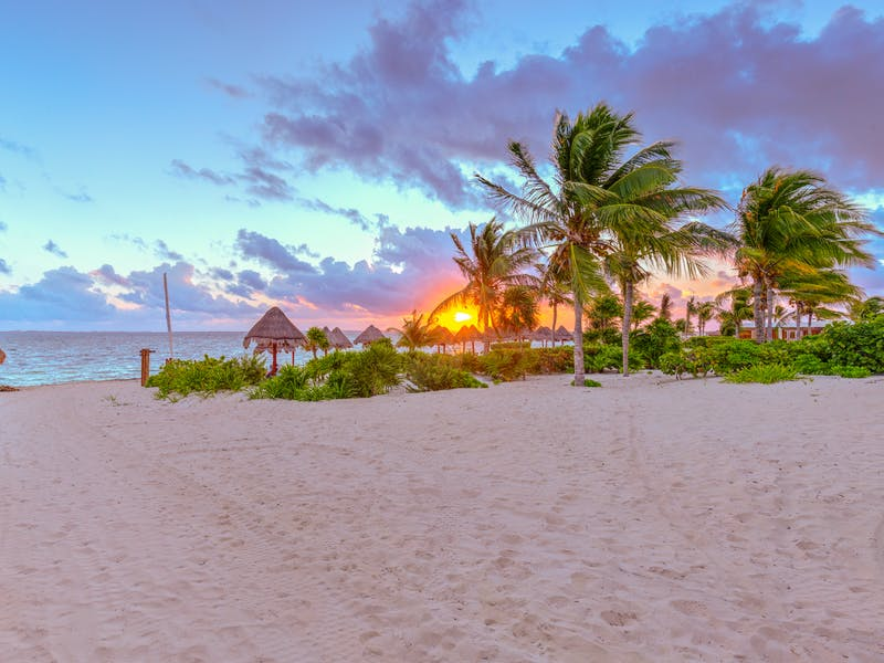 Luxury homes with private beach in Cancun 89