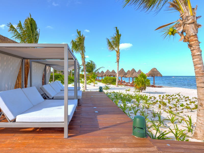 Luxury homes with private beach in Cancun 25