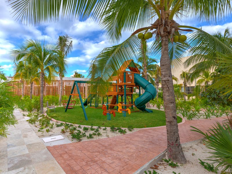 Luxury homes with private beach in Cancun 37