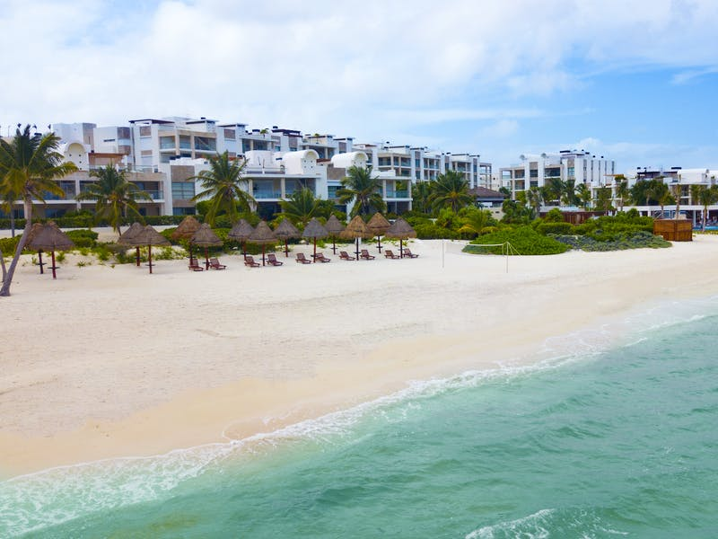 Luxury homes with private beach in Cancun 83