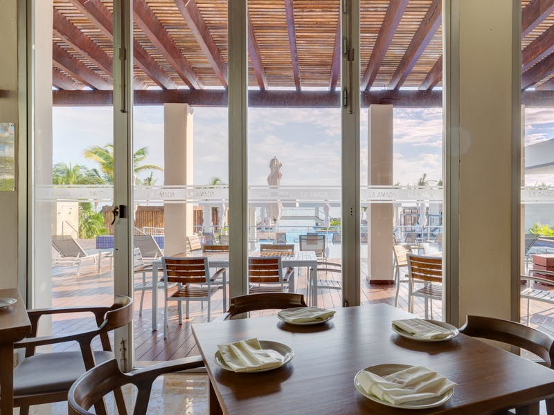 Luxury homes with private beach in Cancun 76