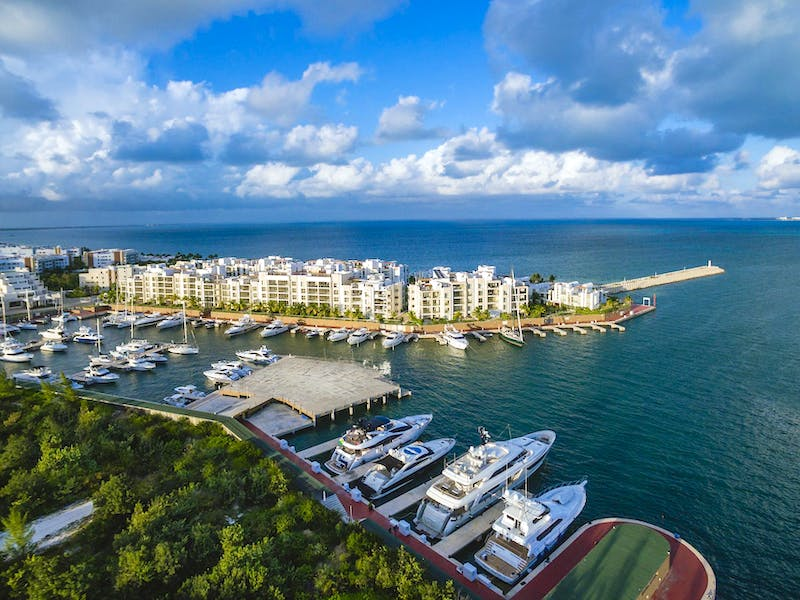 Luxury homes with private beach in Cancun 21