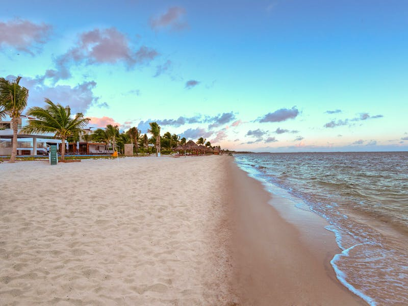 Luxury homes with private beach in Cancun 4