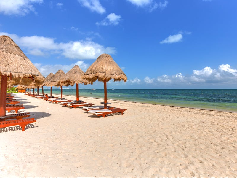 Luxury homes with private beach in Cancun 92