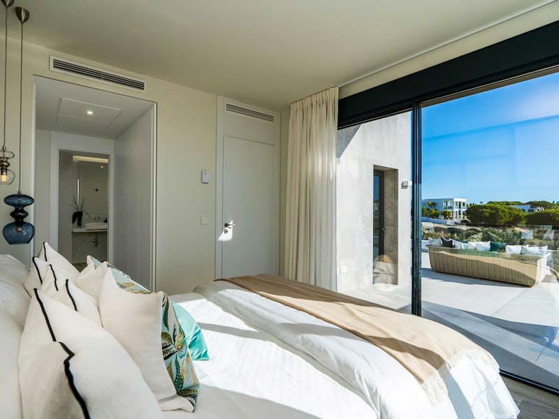 Townhouses and villas in Marbella 17